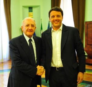 L'ex sindaco di Salerno De Luca con il premier Renzi