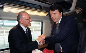 Matteo Renzi con l'ex sindaco di Salerno De Luca
