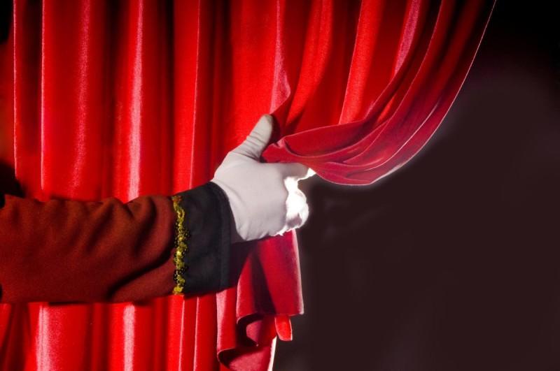 La crisi del teatro, il dramma dell'attore e il dovere di sperare