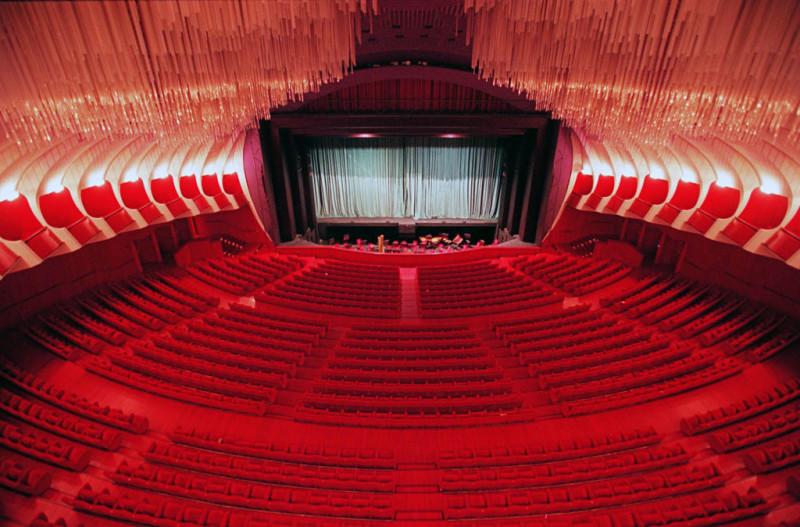 Il teatro non sia più la Cenerentola della cultura