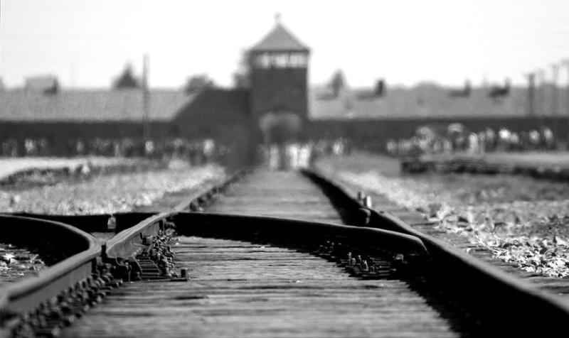 Tra genocidi e guerra è scritta la nostra storia